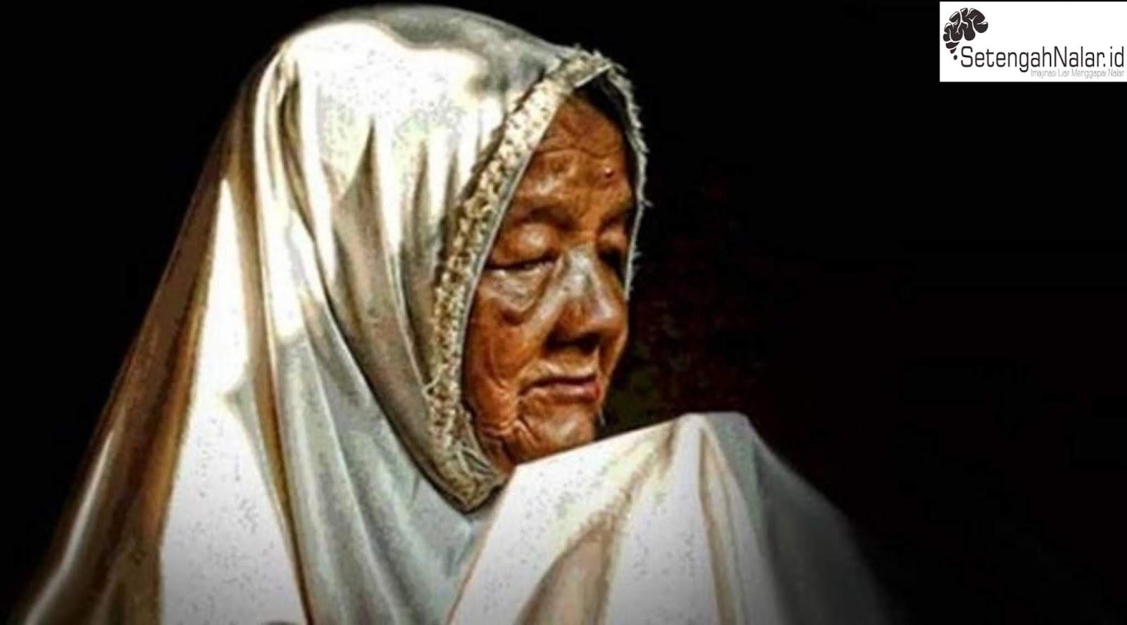 Pernahkah Kita Bangga dan Bersyukur serta mendoakan Ibu Kita?