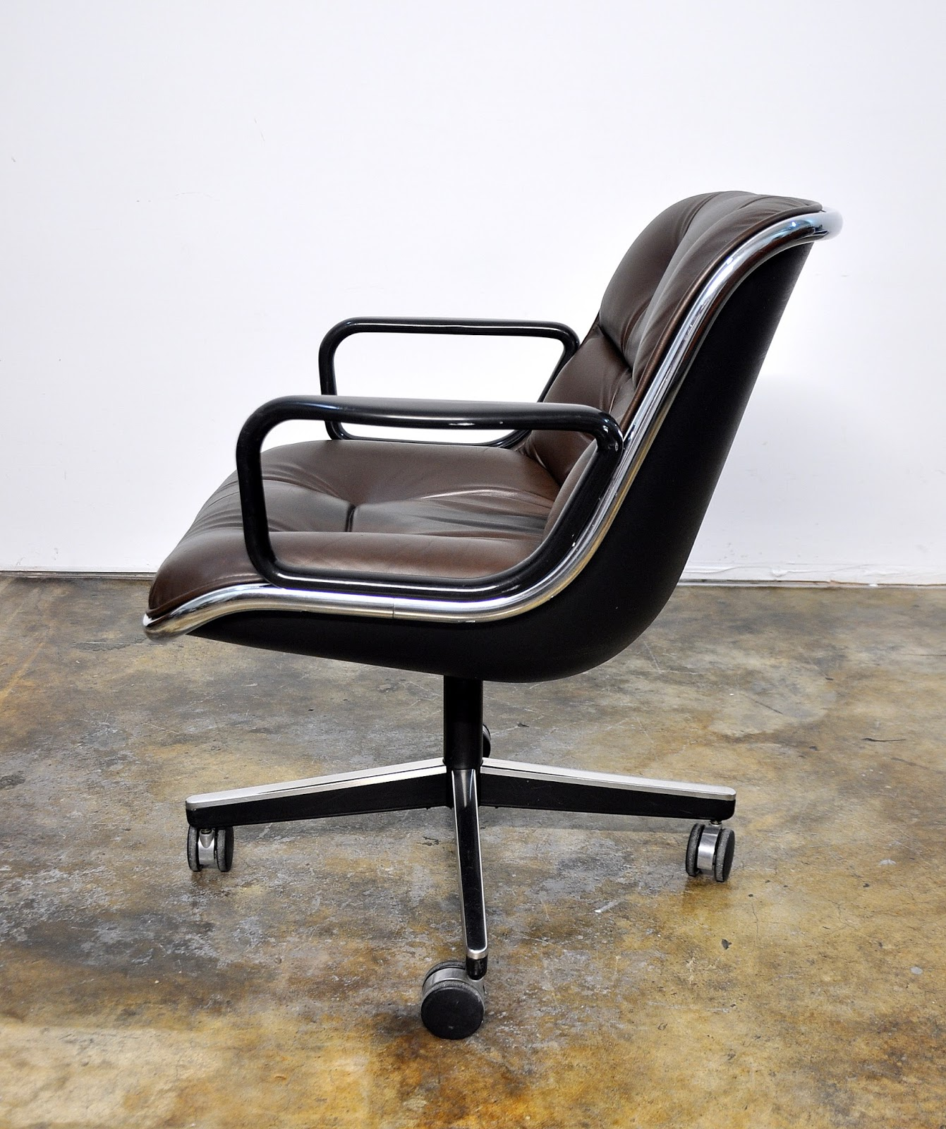 SELECT MODERN: Charles Pollock for Knoll Leather Executive