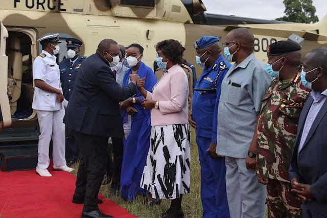 President Uhuru Kenyatta arrives in Kitui photo