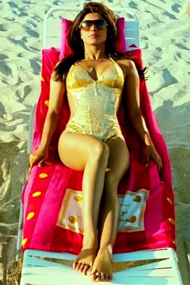 Priyanka Chopra in sexy Swimsuit