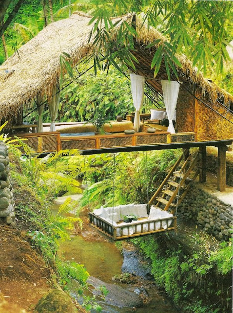 http://photofun4u.com/amazing-high-tech-treehouses