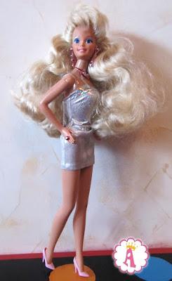 Барби 90х в мини платье и розовых туфлях