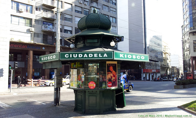 Antigo kiosco na Praça Independência