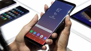 """A página apontou que o Galaxy Note 10 é conhecido atualmente como 'Da Vince' e será """"simétrico"""", apresentando uma interessante mudança de design para o próximo smartphone de primeira linha da Samsung."""