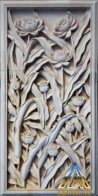 Relief batu alam paras jogja / batu putih motif bunga tulip