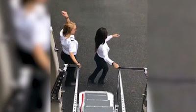 Pilot dan pramugari cantik ikutan Kiki Challenge
