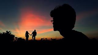আপনার কি কখনো নিজেকে একা মনে হয়? জানুন একাকিত্ব দুর করার সহজ কিছু টিপস।