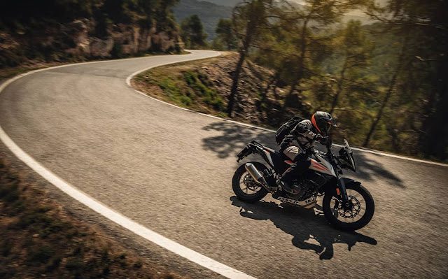 Tips for Motorcycle Riding in the Rain