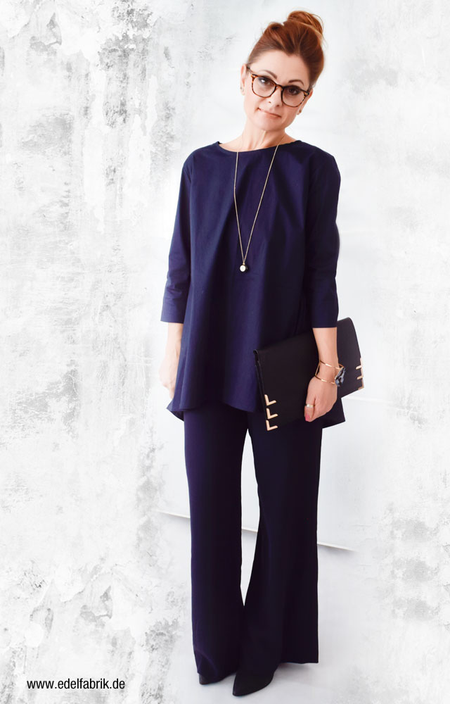 dunkelblaue Marlene Hose, dunkelblaue Bluse, Style