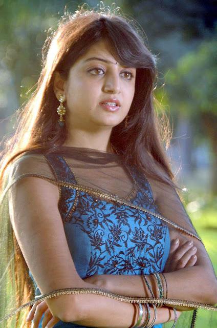 Tollywood Actress Poonam Kaur Latest Cute Stills Actress Trend