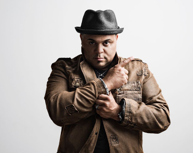 Israel Houghton wife, kids, age, children, ex wife, net worth, marriage, wedding, and wife, nationality, affair, ethnicity, daughter, first wife, parents, new wife, divorce, race, who is, how old is, songs, adrienne bailon and, sonny, jordan houghton, risen, music, and new breed, albums, concert, worship songs, new season, hosanna, covered, grammy, news, instagram