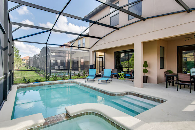 The 3.5-star Florint Pool Homes is placed about 4.2 km from Aquatica Orlando in Kissimmee.