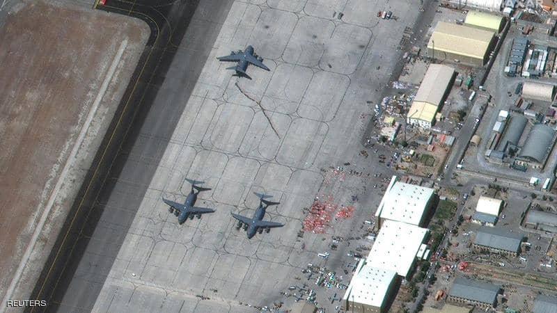قبيل انسحابه.. ماذا فعل الجيش الأميركي بمطار كابل؟