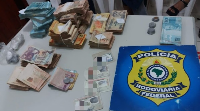 Três mulheres bolivianas são presas pela PRF com mais de R$ 110 mil. Elas sairam de Guajará-Mirim