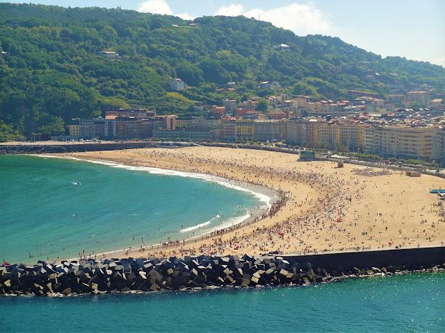 bästa strand för surfing i San Sebastian - Zurriola
