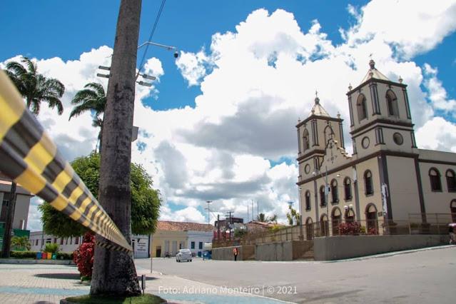 Praças e espaços abertos foram fechados em Agrestina