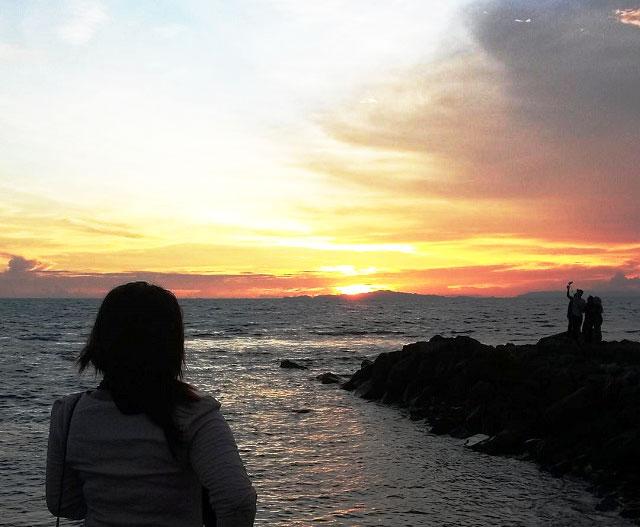 sunset di pantai batu rame