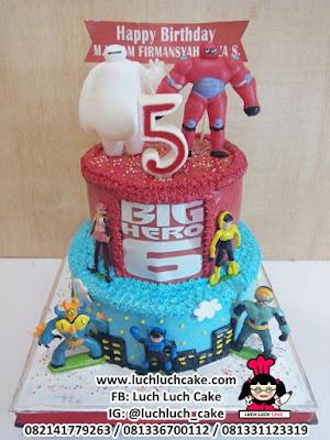 Kue Tart Tingkat Baymax Big Hero 5