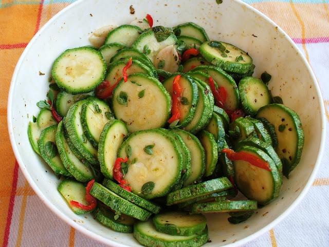 Zucchine in marinatura