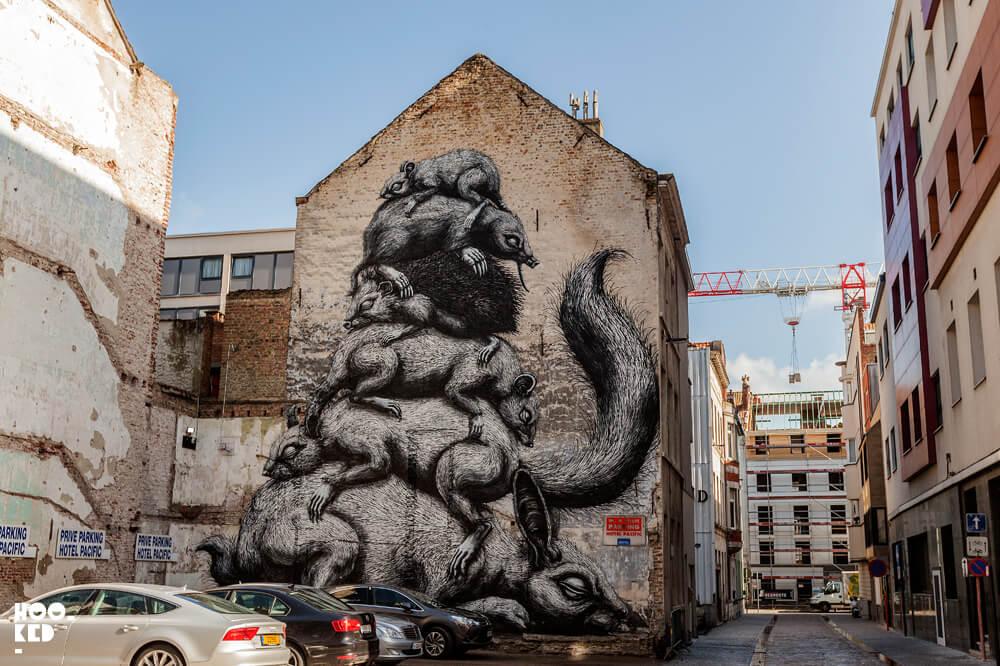 Belgium Street Art in Ostend featuring work of Belgian street Artist Roa