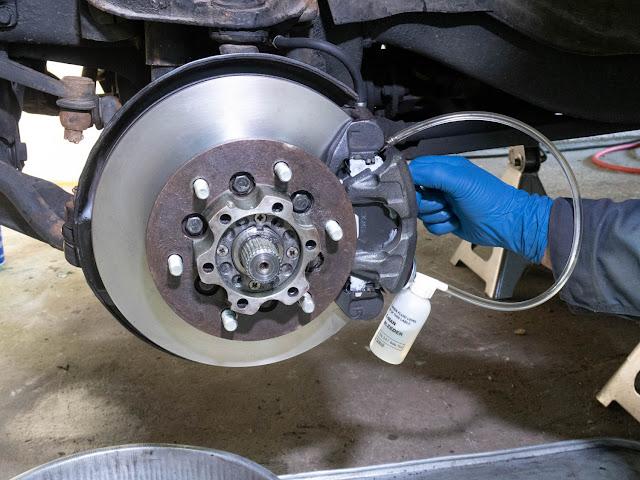 Comment purger les freins d'une voiture