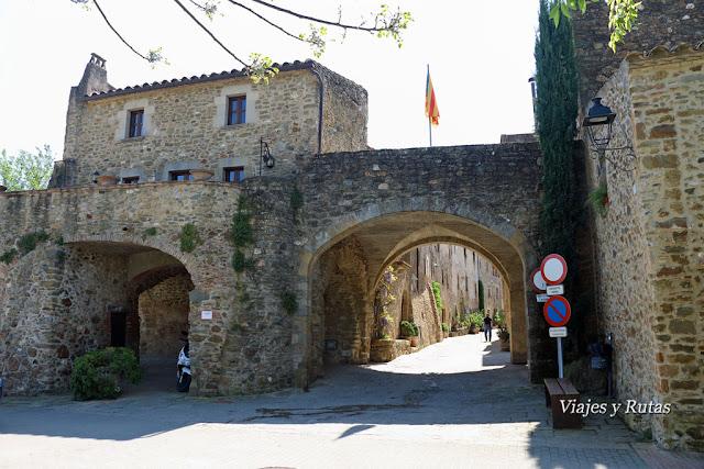 Calle de los Arcos de Monells, Bajo Ampurdam