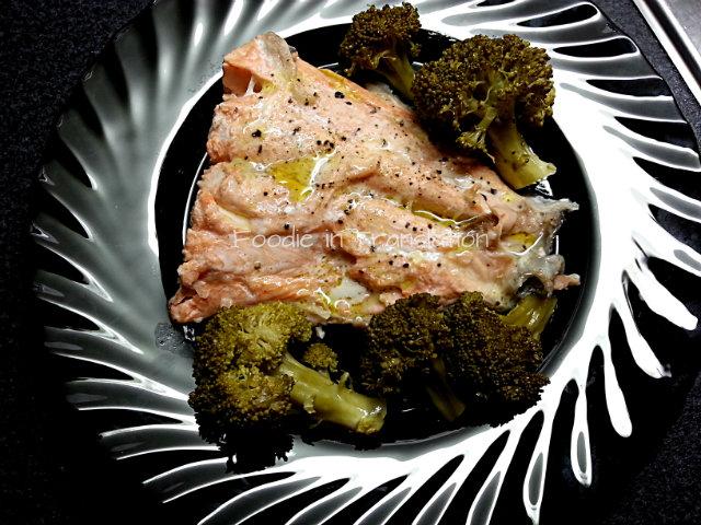 Salmone al vapore - Steamed salmon