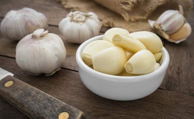 Home Remedies For Uric Acid: गठिया में यूरिक एसिड घटाने के लिए रामबाण हैं ये 8 घरेलू उपाय, जोड़ों का दर्द भी होगा गायब!