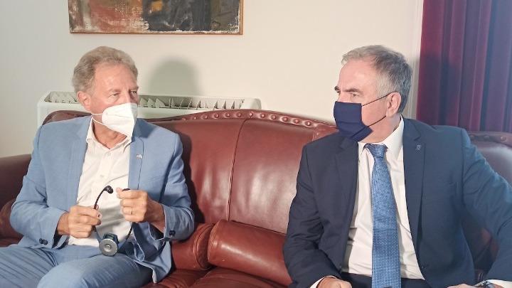 Με τον Γερμανό υφυπουργό Ν. Μπάρτλε συναντήθηκε ο Στ. Καλαφάτης