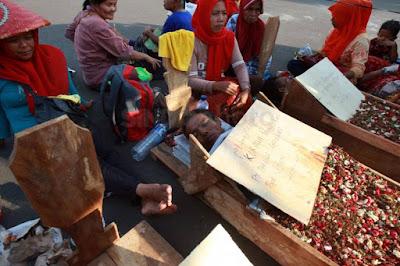 Dapat Solusi dari Jokowi, Petani Telukjambe Karawang Bersyukur