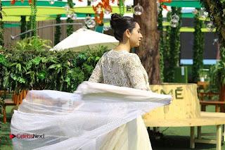 Actress Karishma Kapoor Walks For Arpita Mehta at LFW Summer 2017  0031.jpg