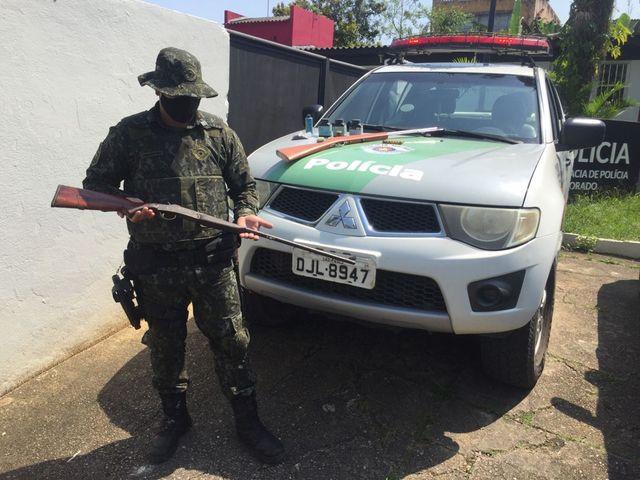 Policia Ambiental - apreensão de arma de fogo e munições em Eldorado