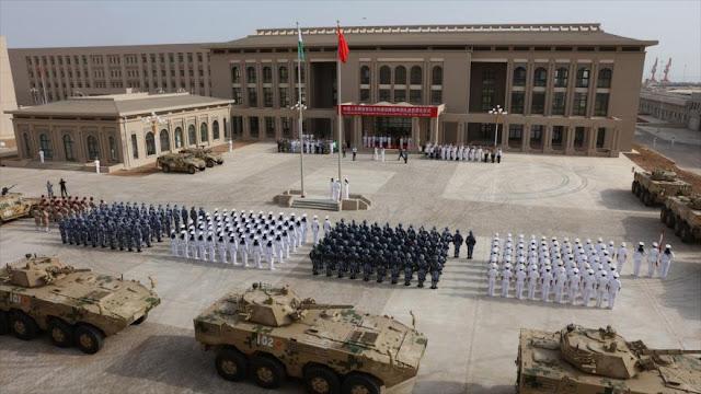 China realiza ejercicios con fuego real en su base en Yibuti