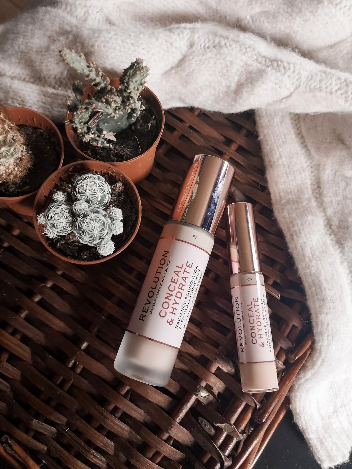 Base y corrector Conceal & Hydrate Makeup Revolution