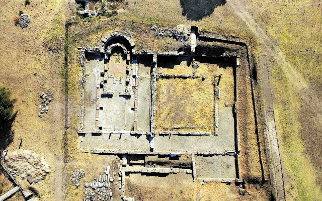 The acropolis of Amphipolis and its secrets