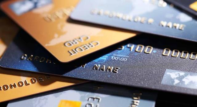 Banco terá que restituir valores e pagar danos morais a cliente que teve cartão furtado