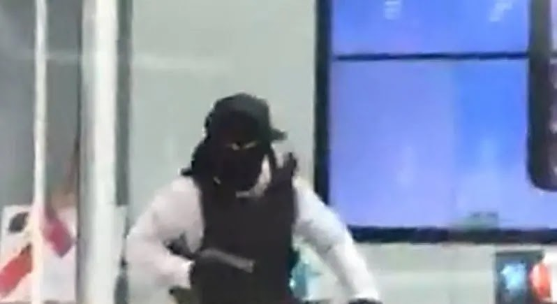 Testigo relata violenta balacera al interior de mall a la hora de almuerzo