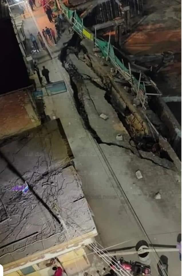 هبوط أرضى وانشقاق بشارع رئيسي في طنطا وتغريم مهندس 3 ملايين جنيه