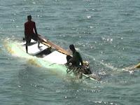 Dihantam Ombak Besar Perahu 2 Orang Nelayan Torani Pulau Dewakang Tenggelam