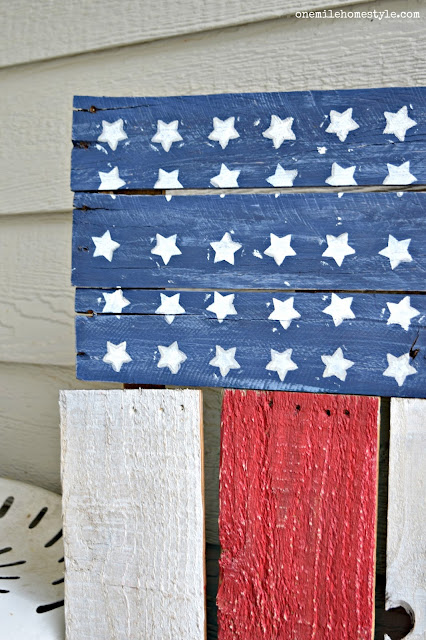 Last Minute DIY Patriotic Pallet Wood Flag Home Decor - One Mile Home Style