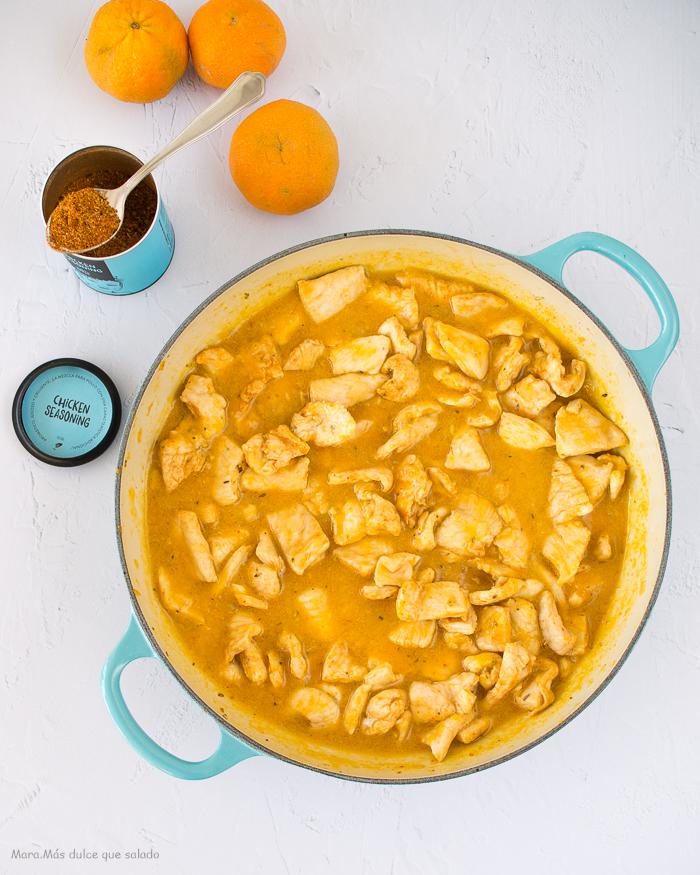 Pechuga de pollo en salsa de mandarina