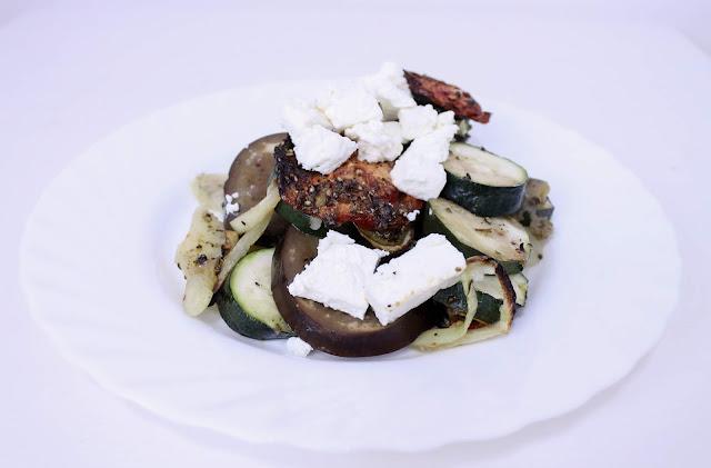 Grecka zapiekanka z cukinią i bakłażanem