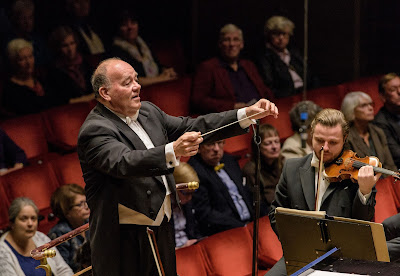 Marc Soustrot and the Royal Stockholm Philharmonic Orchestra - Photo Jan-Olav Wedin
