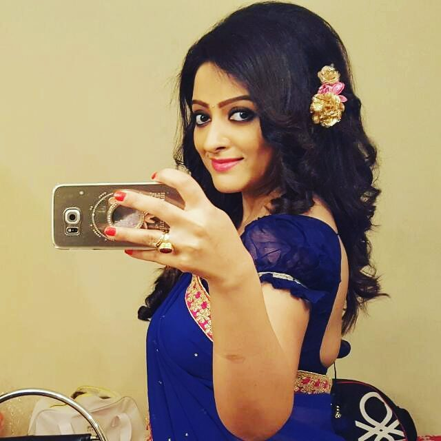 Rupsha Chakraborty Selfie In Blue Saree