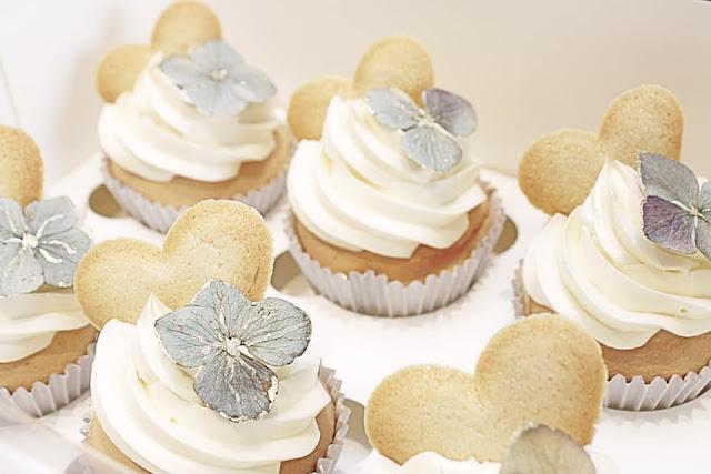 bespoke wedding cakes cookies desserts cake cupcakes