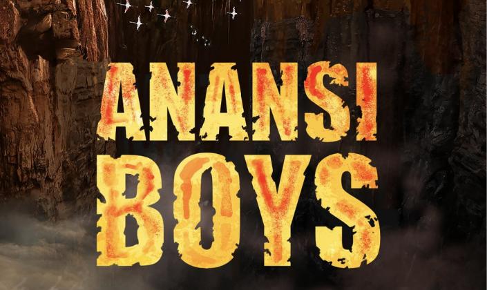Imagem de capa: ilustração com vários penhascos e pássaros voando ao fundo e na frente temos a logo em uma fonte amarela corroída, como se fosse areia que diz: Anansi Boys.