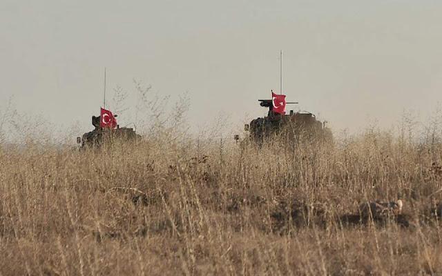 Η Τουρκία στέλνει κομάντο και τεθωρακισμένα στα σύνορα με τη Συρία