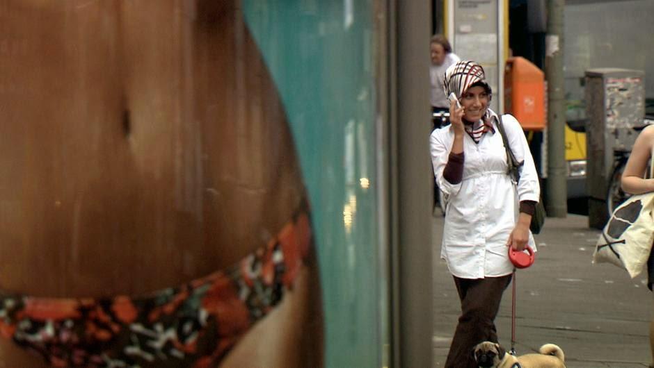 Arte diffusa, dans le cadre du magazine Square Idée, Islam   l Europe lève  le voile et « Sous le signe du voile » de Hilka Sinning. Deux courts  métrages sur ... 4a80b54e8b0