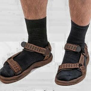 17 things men should NEVER wear
