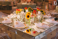 casamento com cerimônia e recepção realizadas no party room em porto alegre com decoração moderna contemporânea e sofisticada em tons de rosa pink e amarelo com gloriosas e girassóis criando um clima alegre e descontraído por fernanda dutra wedding planner destination wedding portugal casamento em portugal casamento em porto alegre